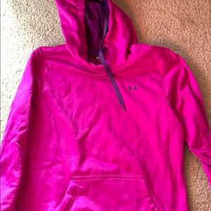 Women's under Armour hooded sweatshirt